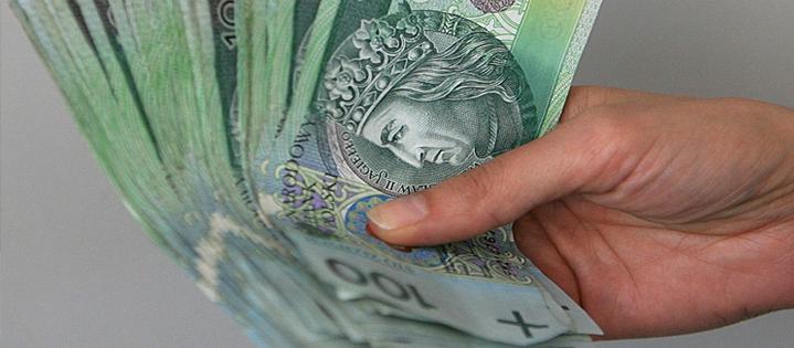 Czy sprzedawca musi informować o obowiązku zapłaty cła oraz jego wysokości w przypadku sprzedaży za granicę